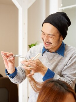 アール ヘアーアンドネイル(R hair&nail)の写真/立体感のある仕上がりでフェイスラインをスッキリ見せる小顔スタイルも♪忙しい朝もスタイリング簡単◎