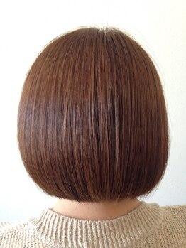 ヘアアンドエステ ロモ(HAIR&ESTHE ROMO)の写真/【30、40代に人気♪】ダメージを最小限に抑えながら、気になる白髪も解消!優しい薬剤のグレイカラー*