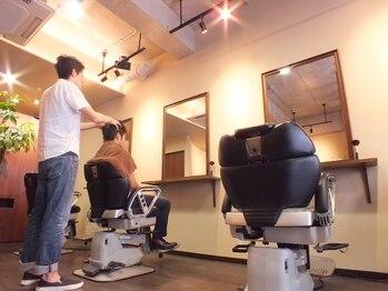 クラッキ ヘアークリエイション(CRAQUE hair creation)の写真/《理容師技術コンテスト/20冠の超実力派◎》ミリ単位のカットで再現性が高く伸びてもセットしやすい!