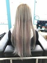 マーメイドヘアー(mermaid hair)シルバーに2種類のピンクメッシュ☆