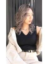 ティー(tea)【tea hair design】ホワイトベージュバレイヤージュ