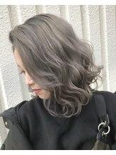 ユニーク(UniQ)【UniQ・コウチ】ショート×ハイトーンカラー