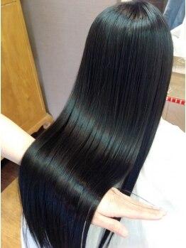 オズライン(Oz Line)の写真/圧倒的支持率のOz Lineサラツヤ髪質改善!トリートメントリピート率は90%以上!!うっとりするツヤ髪へ☆