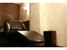 リン(rin.)の雰囲気(半個室のシャンプーブースはフルフラットで極上の空間を。)