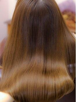 アンテシニヨン(Un the Shiniyon)の写真/ダメージ毛でもあきらめないで!【髪質再生ヒアロフッ素トリートメント】で内部からハリコシのある髪に♪