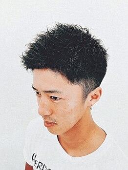 ヘアーズロロ(Hair's LORO)の写真/★理容・全国大会優勝歴あり★計算尽くしのカット技術で、あなたに本当に似合う男のヘアをデザインします!