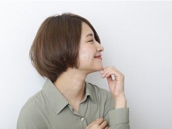 コントロールヤクモ(QONtROL YAKUMO)の写真/<女性スタッフのみ>女性ならではの視点で作る美シルエットのショートヘア!再現性抜群で朝のセットも簡単♪