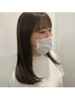 《step by step TOMIKURA》サラ艶ストレートヘア