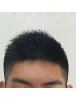 髪の毛の 多くて硬い方 のショート