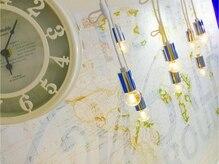 ラ ヴィクトアール(La Victoire)の雰囲気(カウンター時計&照明★)