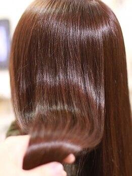 コルテ プレミオ(CoRte.premio)の写真/徹底的にこだわった本質的な髪質改善!髪だけでなく、土台となる頭皮の状態から美髪が育つ環境を整えます♪