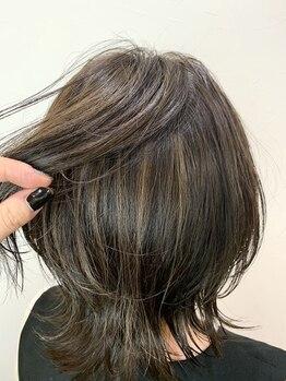 キャラ 池袋本店(CHARA)の写真/【脱・白髪染め!】いつもの白髪染めをワンランク上の大人のオーダーメイドデザインカラーに。