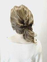ヘアープレイス ガガ(Hair place GAGA)柔らかツヤ感のあるアッシュ系カラー