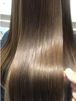 """エアーギンザタワー(airGINZA tower)の写真/業界屈指の""""air独自""""[新プラチナプレミアムトリートメント]美しくしなやかな、艶のある健康な髪に―。"""