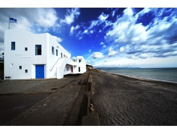 ルルーディー(Luluwdy)の写真/地中海ギリシャをイメージした隠れ家サロン。居心地の良さ◎