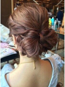 結婚式の髪型 リボンヘアアレンジ