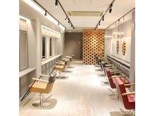 フリーダム コゼット 高松店(freedom cosette)の雰囲気(店内はまるでニューヨークのブルックリンを思わすような空間!)