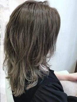ヘアーサロン マメキチ(Hair Salon mamekichi)の写真/今どきのオシャレな【白髪ぼかし】をご提案◇同性目線だからこそわかるお悩み、何でもお聞きいたします。