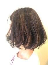 シム ヘア カナゾノ(C.I.M hair kanazono)伸ばしかけスタイルのカラーアレンジ