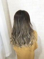 ホワイトアッシュ×3Dカラーグラデーション【Alma hair】