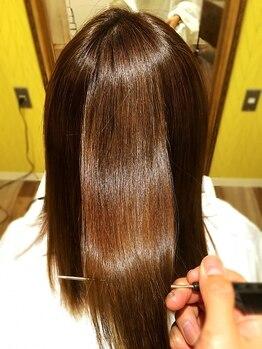 クオリム(Kualim)の写真/髪の状態に合わせた施術で髪質改善に繋げ、艶もUP◎繰り返し行うことで持続性も上がり、お手入れも楽に♪