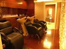 アーティ バイ ヘアー ポッシュ(Arty by Hair POSH)の雰囲気(別空間のシャンプー台で、眠ってしまう人も多いです。)