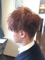 フェリーク ヘアサロン(Feerique hair salon)ハイトーンレッド系カラーのツーブロックマッシュレイヤー