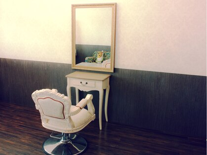 一席美容室 アンティークポムの写真