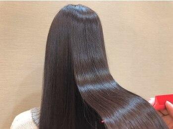 セレナ ヘアアンドネイル(CELENA hair&nail)の写真/トリートメントといえば【CELENA】思わず触れたくなる《オリジナルトリートメント》でダメージレスな髪に☆