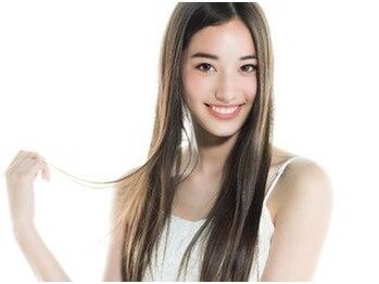 フェレイラ(Ferreira)の写真/縮毛矯正×トリートメントで憧れのうる艶ストレート!触れたくなる最高級美髪に思わず笑顔♪