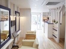アール ヘアーアンドネイル(R hair&nail)の雰囲気(OPENしたばかりの店内は温もりのあるプライベート空間です。)