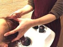 こだわりぬかれた薬剤を使用し、髪のダメージを軽減します。