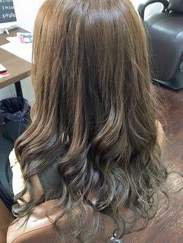 ビューティサロンロッコ(Beauty salon Rocco)の写真/《これからも髪を伸ばしたい方に★》毛髪強度・弾力・保湿UP×高発色・低刺激な【CURE(キュア)】使用♪