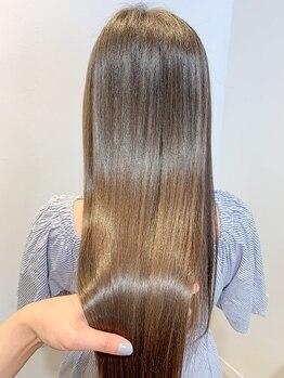 エミス バイ メルト(emis by melt)の写真/くせ毛や広がりにお困りの方にオススメ!縮毛矯正×髪質改善トリートメントでダメージレスに理想が叶う♪