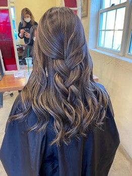 イーゼル ヘアー デザイン 伊賀店(EASEL HAIR DESIGN)の写真/ダメージレスカラーがおすすめ◎ブリーチ毛でも艶感UP!!ケアブリーチ×ケアカラー料金頂きません◎