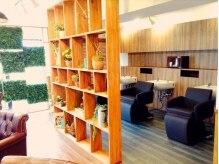 アグ ヘアー ビナ 海老名店(Agu hair vina by alice)の雰囲気(隠れ家のようなマンションの一室が自然で溢れています)