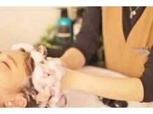 個性的×ハイキャリアなスタイリストが「素敵なヘアスタイル」と「ちょっと贅沢な時間」をプレゼント