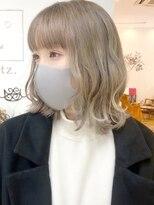 ルッツ(Lutz. hair design)ホワイトブロンド
