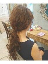 ヘアメイクアンドセットサロン リッコ(Hair make&set salon Ricco)大人かわいいカジュアルヘアアレンジローポニー