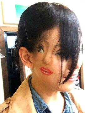 ヘアセットアップス(UP's)♪ハロウィーンアートなメイク♪『本物の顔はどっち?(*^-^*)』