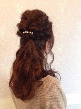 結婚式の髪型(ヘアアレンジ) ルーズハーフアップ