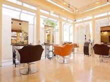 レゴリスヘアークリエイティブブランド(Regolith hair creative brand)の雰囲気(カットスペース)