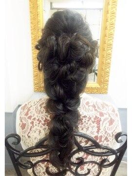 プリンセス風まとめ髪