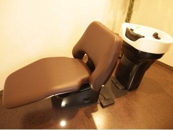 ヘアリゾート ロア(Hair Resort LoRE)の写真/半個室空間で味わう極上のリラクゼーション☆1人1人異なる髪の悩みに…オリジナルレシピで輝く美髪に♪