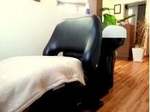 美容室 ティダ(Thida)の雰囲気(アロマの香りでリラックスできるシャンプー台。)