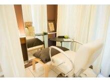 ヤマノサロンオブビューティー(YAMANO Salon of Beauty)の雰囲気(半個室の空間でリラックスなひと時をどうぞ♪)