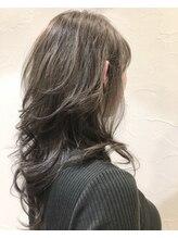 ヴァパウス ヘアーデザイン(Vapaus hair design)ハイレイヤースタイル+3Dカラー&ラベンダーアッシュ