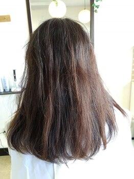 エイジングケア専門店 ジン 美容室(JIN)の写真/【エイジングケア専門店】40代以上の世代から口コミで話題の技術、仕上がり好評の白髪染めとは…