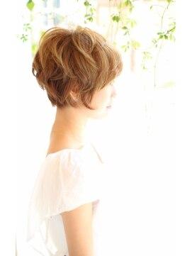 サラヘアー(sarah hair)【sarah 銀座 】シルエットがキレイに見えるショート
