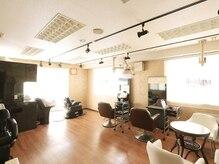 ホシカワ 美容室(Hoshikawa)の雰囲気(2Fはメンズサロン。美容室が苦手な男性の方にも。)